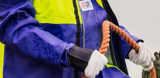 Adjustable neoprene cuffs with extender cuff